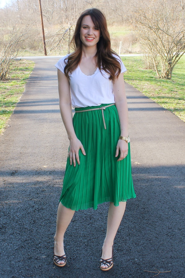pleated green skirt outfit by theforgestyle.blogspot.com   #fashion