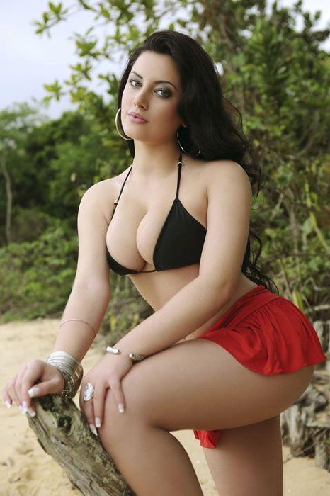 pics if naked latin caramel women