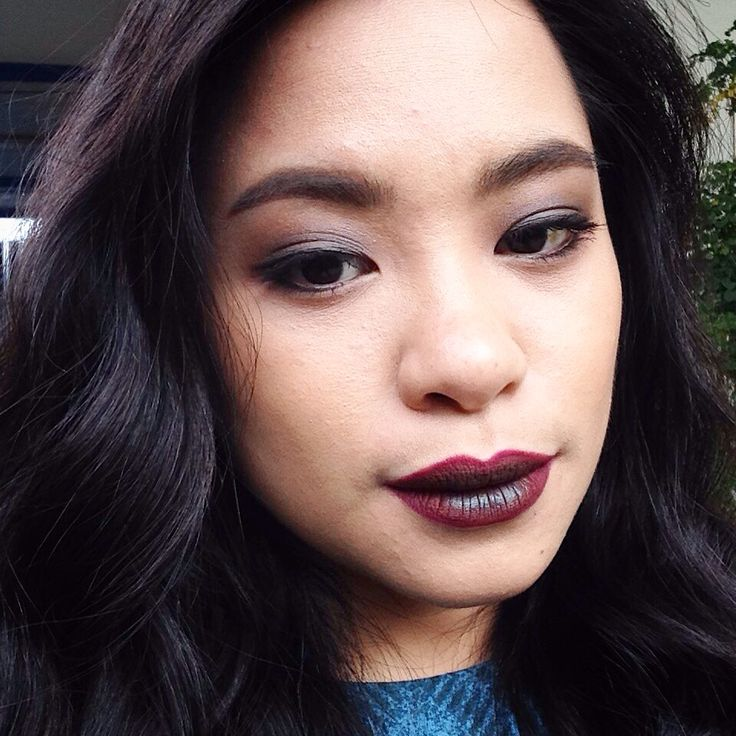 Ombre dirty lip. Grunge.