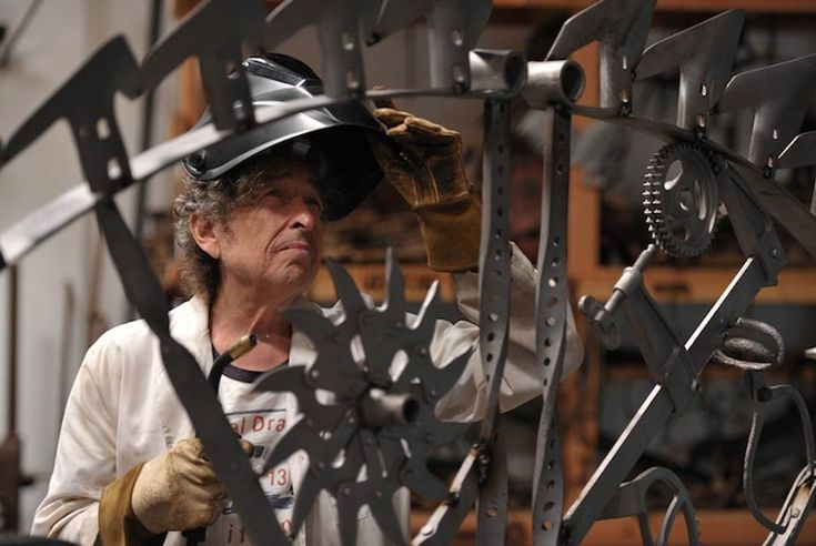 Bob Dylan is a welder and he makes big iron gates out of scrap metal [5 pictures]