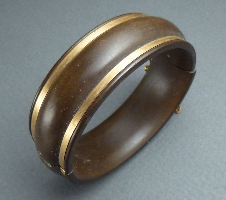 Gutta Percha with gold inlay bracelet