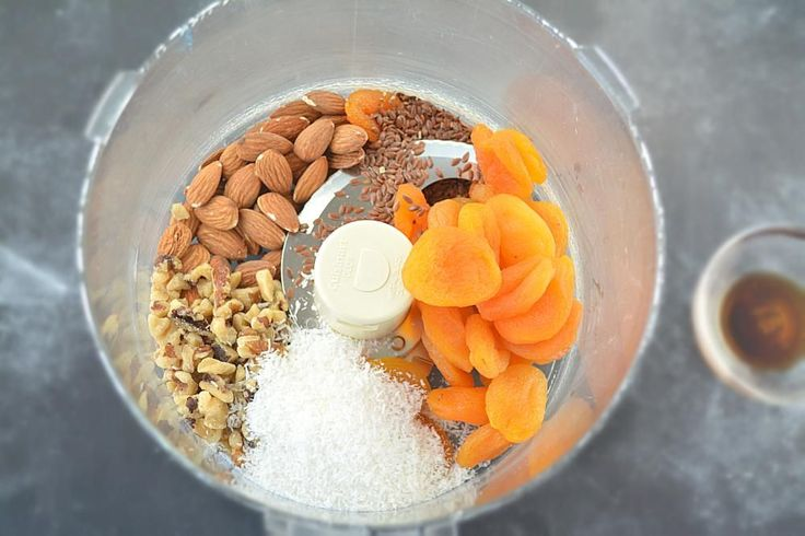 How to make No Cook Apricot Energy Bites, No bake Apricot Energy Balls,Coconut Apricot Energy Balls, healthy kids snacks,How to Make No-bake Energy Bites,