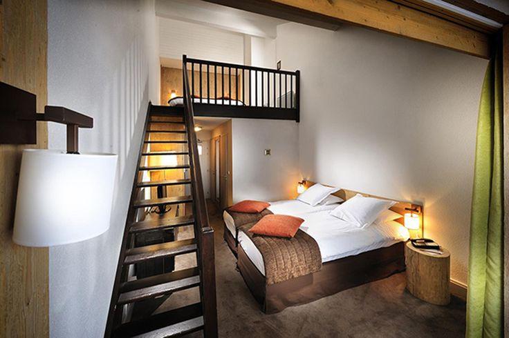Lits jumeaux et lit king size dans la Junior Suite Prestige de l'hôtel L'Aigle des Neiges au Val d'Isère   #France #Alpes #Alps #Savoie #Hotel #Chambre #Bedroom