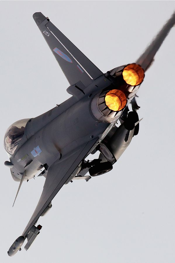 Fighter Jet in afterburner mode...i follow back @ tonygqusa I follow back.