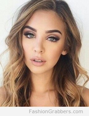 Rose gold eye makeup with beach waves.jpg