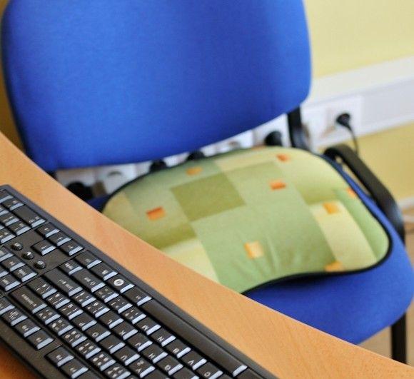 Línia Komfort sa vyrába vo vačšom formáte s väčšou sedacou plochou čím je vhodná pre mohutnejšie postavy. Povrchová látka je vyrobená zo zmesovej tkaniny ktorá je príjemná na dotyk, ľahko sa udržiava a dlhodobo si zachováva farbostálosť.