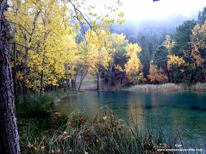 Sierra de Segura, Albacete, Castilla-La Mancha La Sierra del Segura, al suroeste de la provincia de Albacete, está surcada por valles estrechos y cañones profundos que se transforman en cuanto llega el otoño. En la frontera con Jaén y alejada de los llanos de La Mancha, es una de las zonas más interesantes de toda la provincia. Date un paseo para llegar a los Chorros del Río Mundo, sube a los miradores de Liétor y absorbe el paisaje. ¡Inolvidable!