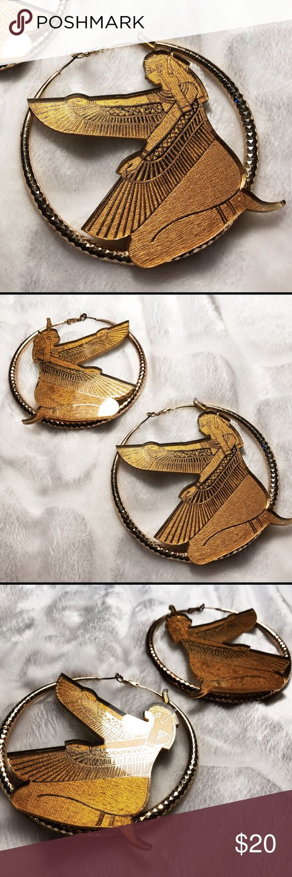 Melody Ehsani gold Pharaoh Egypt hoop earrings Melody Ehsani gold Pharaoh Egypt hoop earrings. Worn a handful of times, in used condition, some slight tarnishing. Beautiful earrings purchased at her boutique in LA! 🌙✨🏜OFFERS ALWAYS WELCOME! 🌙✨ melody ehsani Jewelry Earrings