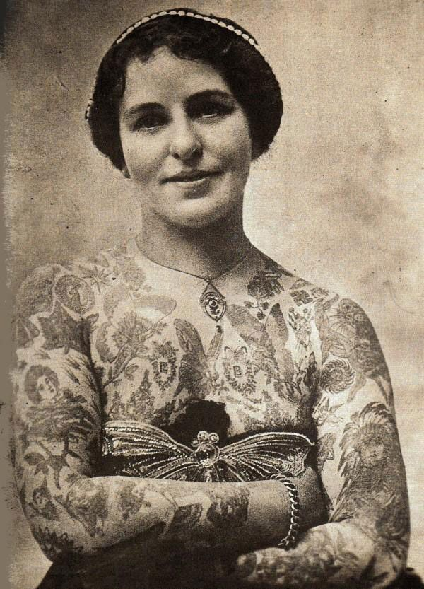 Vintage photograph, from http://snapped-garters.blogspot.co.uk/2011/05/vintage-tattoos.html