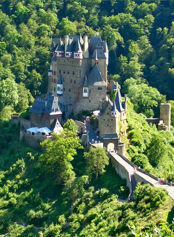 Top 5 Tourist Attractions In Luxembourg - travellingspots4u