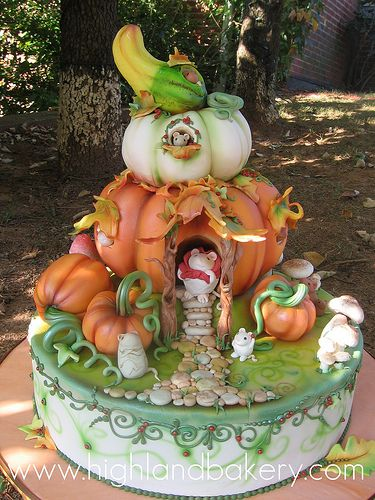 pumpkin house cake