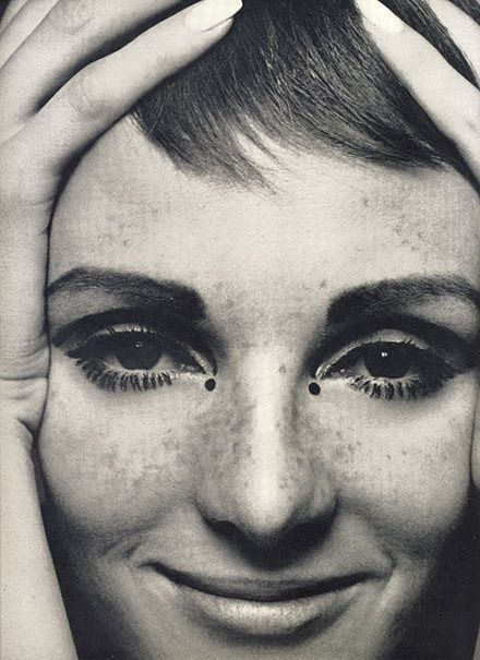 Grace Coddington created the look that made Twiggy famous. #60s #makeup