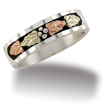 Stunning Top selling Landstroms ring Ladies Sterling Silver Wedding Band with Black Hills Gold Leaves and