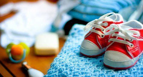 How to fit baby and toddler shoes
