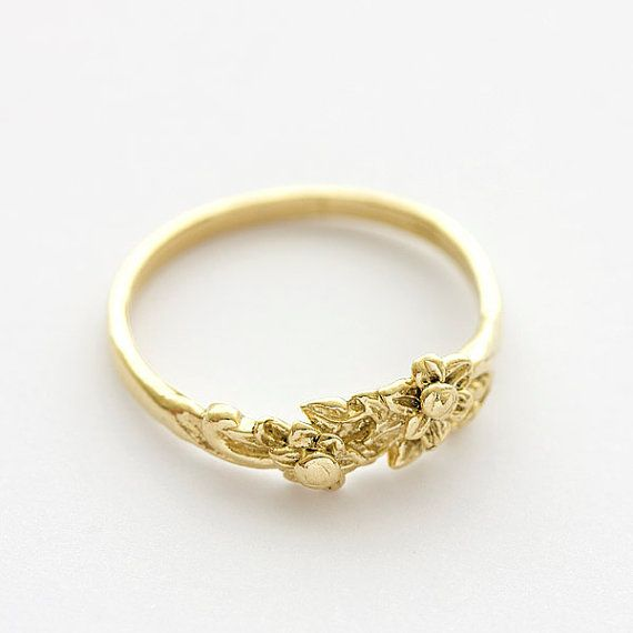 Vintage Floral Bouquet Wedding Band in 14k Yellow by NetaJewelry