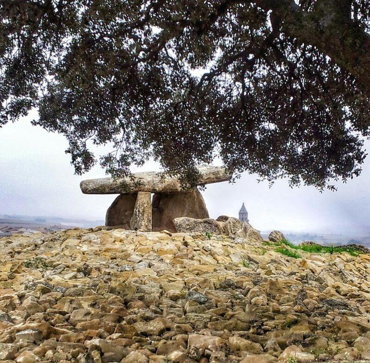 Dolmen de la Echicera El villar Araba Baske country