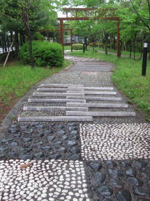I think I want this reflexology path for the cottage!