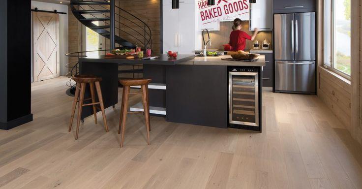 La collection Flair, la grâce naturelle du bois empreint de caractère. Des couleurs terreuses et raffinées qui s'allient à une surface ultra-mate.
