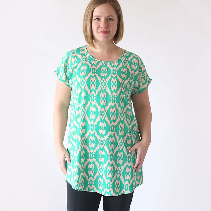 Learn how to sew an easy women's tunic with this free sewing pattern in size large.