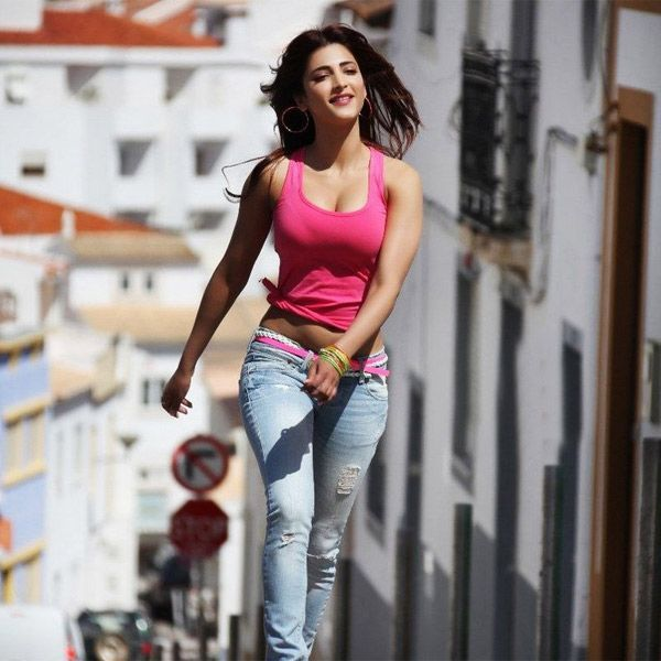 Shruti Hassan in a pink top. A still from the film Balupu.   In this photo: Shruti Hassan