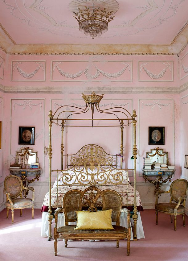 501 best pink bedrooms for grown ups images on pinterest for Black and white vintage bedroom ideas