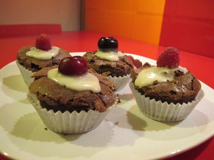 cupcake chocolate and fruit