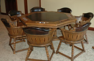 Romweber Game Table And Chairs Castle Furniture And