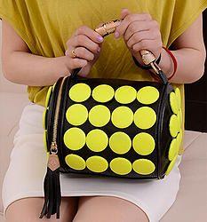 Baul Negro circulos neon