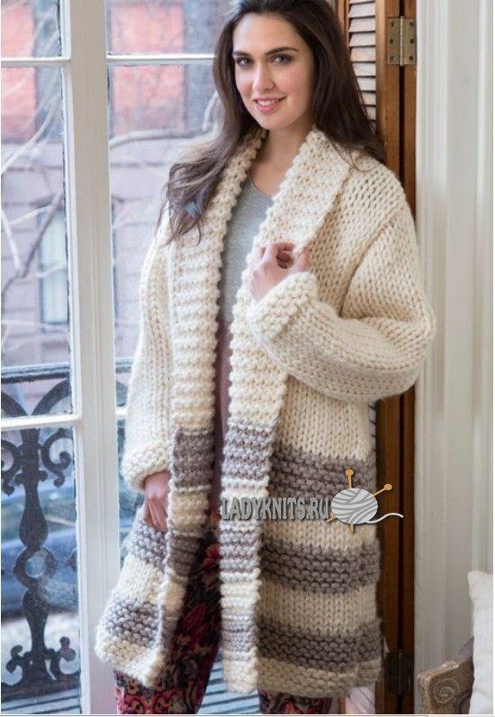 Модное женское пальто из толстой пряжи