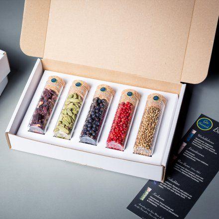 Gin-Botanicals Basic-Set jetzt im design3000.de Shop kaufen! Gin-Botanicals steht für hochwertige und sorgsam ausgewählte Gewürze zum Verfeinern...