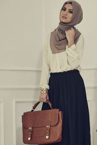 Hijab Fashion: How to Wear Skirts for Hijab Workwear Outfits in Winter