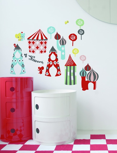 Play like a child, #red - Compinibili by Anna Castelli Ferrieri