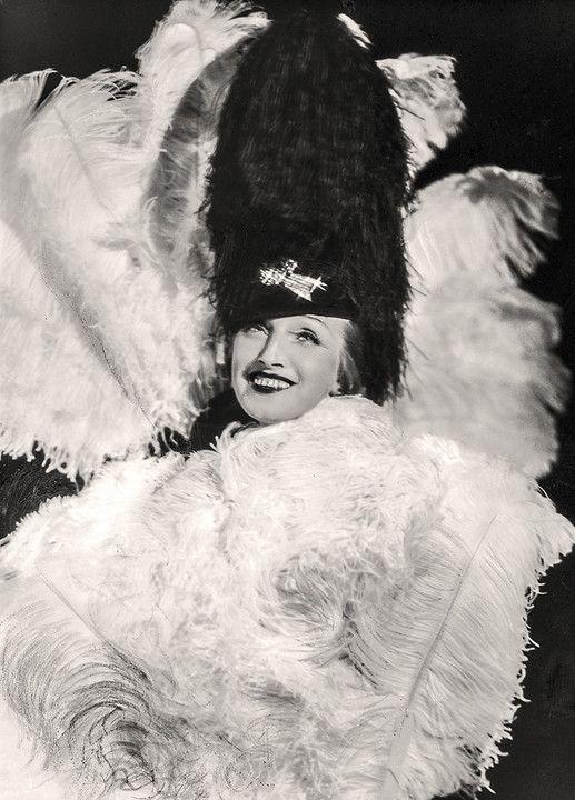 Szykowne lata 30., czyli warszawianki i moda