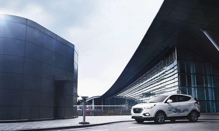 Coraz większy zasięg  Czwarta generacja samochodów Hyundai z ogniwami paliwowymi osiąga maksymalny zasięg 594 km na pojedynczym tankowaniu. Będziesz miło zaskoczony faktem, że uzupełnianie paliwa zajmuje tylko 3 minuty.