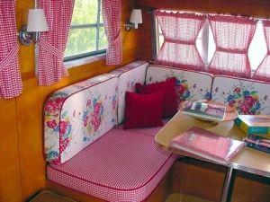 Vintage Camper InteriorTrailers Interiors, Vintage Trailers, Vintage Caravan, Red Flower, Campers Interiors, Travel Tips, Travel Trailers, Happy Campers, Vintage Campers