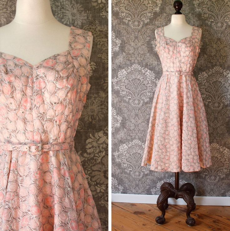 vintage 1950s dress <> late 1950s tulip print dress <> 50s party dress <> 50s cocktail dress <> pink and gray floral dress with full skirt by SteeleHollowVintage on Etsy https://www.etsy.com/listing/544183434/vintage-1950s-dress-late-1950s-tulip