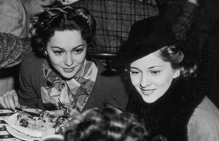 Olivia De Havielland and Joan Fontaine