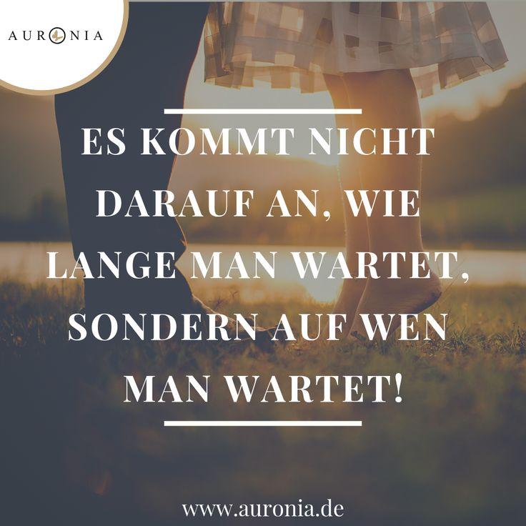 Es kommt nicht darauf an, wie lange man wartet, sondern auf wen man wartet!! // … – Auronia Trauringe