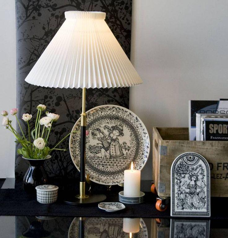 58 best bordlamper images on pinterest alt table lamp and royal copenhagen. Black Bedroom Furniture Sets. Home Design Ideas
