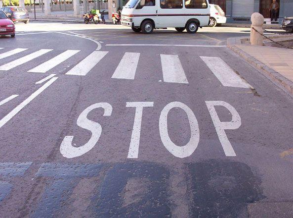 Todos los dias, de camino al trabajo, me encuentro con la lectura de diferentes señales de trafico, tanto en la calle como el metro.