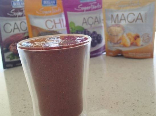 Absolutely packed with nutrients and super quick to make, the Choc Berry Superfood Smoothie recipe is a great snack, liquid lunch or pre/post workout drink.