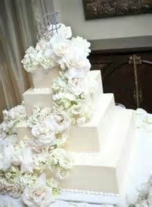 Portos Bakery Wedding Cake