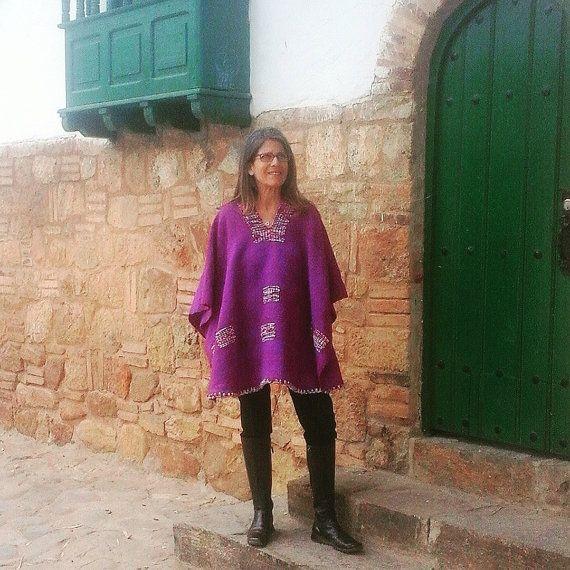 Hand-loomed Poncho / 100% Pure Wool / Purple / by CasaLunaCo