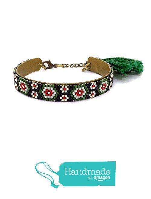 Delica beads flower pattern bracelet BR1234 from Nazo Design https://www.amazon.com/dp/B01MTPXX6F/ref=hnd_sw_r_pi_dp_LqRxyb7S8BNDX #handmadeatamazon