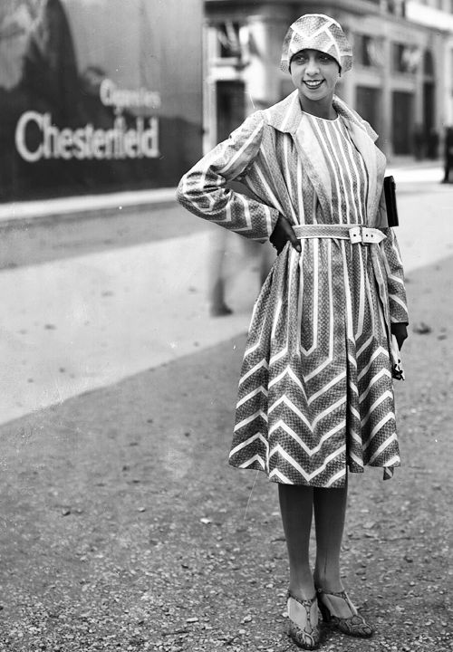 {Josephine Baker} 1927 - stripes, chevrons and all kinds of awesome