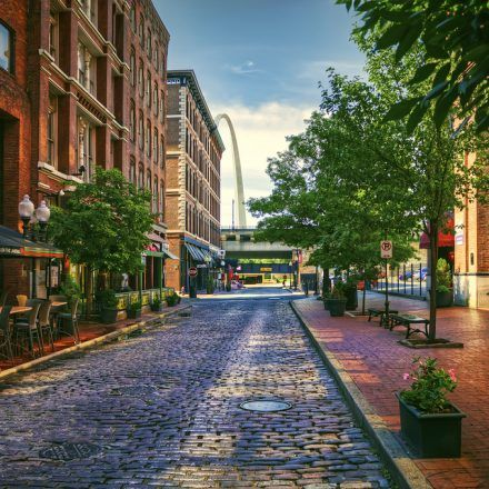 Laclede's Landing - Food & Drinks - Hangout with friends at Laclede's Landing, a nightlife destination Located on the north end of the world-famous Gateway Arch