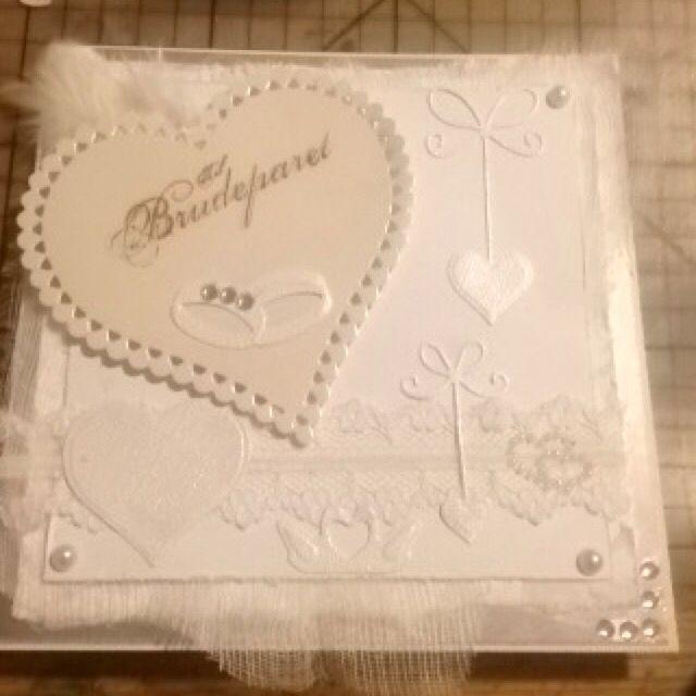 Bryllupskort hvitt på hvitt