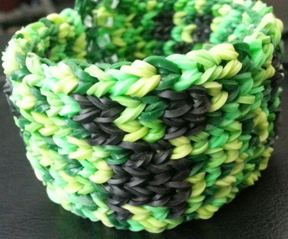 Minecraft Creeper Rainbow loom Rubber Band by RaynasHomemadeCrafts, $10.99