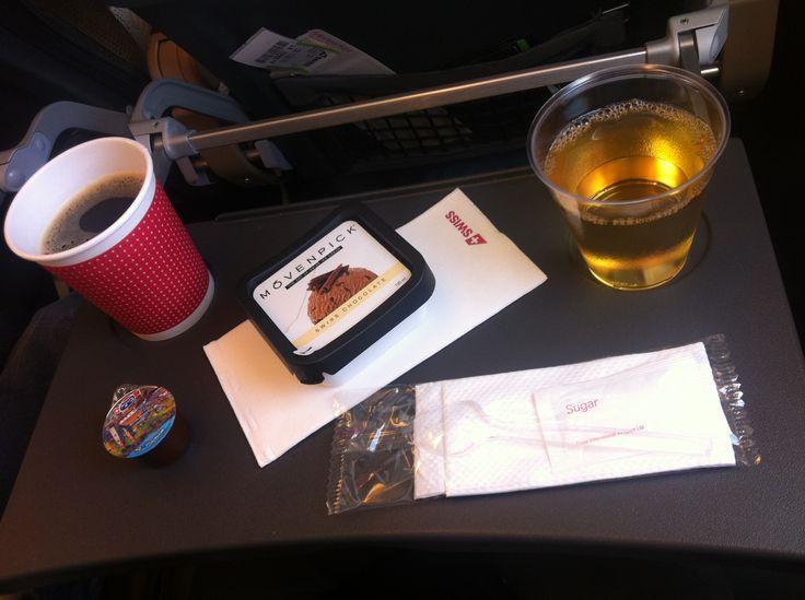 Swiss Economy, Madrid - Zürich, coffee, apple juice, ice cream