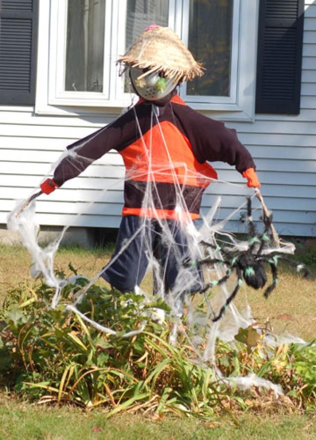 Scarecrow Pictures: Scarecrow Picture: Jason Voorhees and a Halloween Spider